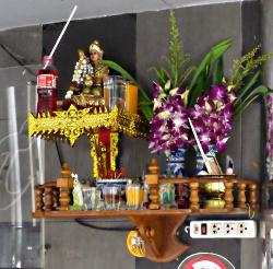 Alter ud for thailandsk gogobar - thailandske gogobarer